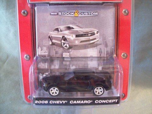 Greenlight Muscle Car Garage Series 2 2006 Black Chevy Camaro (2006 Chevy Camaro Concept Car)