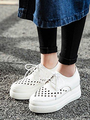 Showhow Dames Comfortabel Geperforeerde Dikke Zool Veterschoenen Sneakers Wit