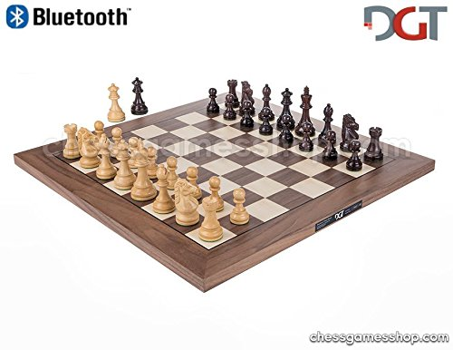 DGT Bluetooth WALNUT eBoard with ROYAL pieces - Electronic chess computer by DGT e-board