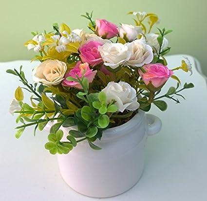 Arreglo floral Artificial mezclado en blancos de cerámica jarra rosa rosas crema 15 cm