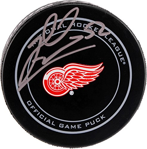 jonathan-ericsson-detroit-red-wings-autographed-official-game-puck-fanatics-authentic-certified-auto