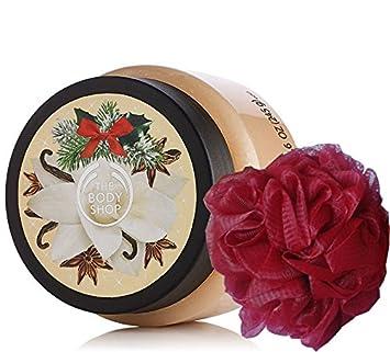 The Body Shop festive Xmas Exfoliant pour le soin du corps 250ml AVEC le nénu rouge de bain ultra-fin - Vanilla Chai / baies givrées / prune givrée (Vanilla Chai)