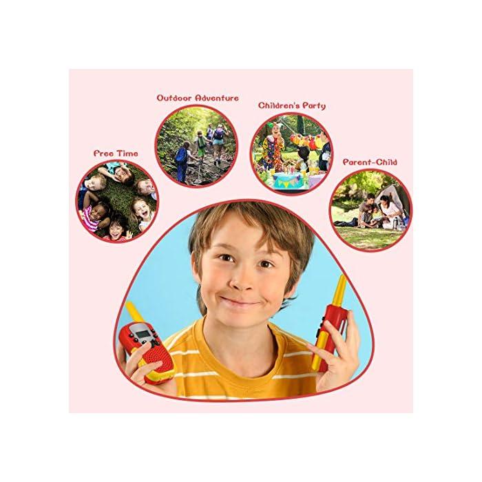 51tVaecXrWL ☎ Regalo Perfecto para Niños: Walkie talkies el cuerpo pequeño y liviano permite que los niños sean fáciles de usar y solo 90 g por walkie talkie son fáciles de transportar, estos caben cómodamente en las manos de los niños con un diseño ergonómico. Un simple botón de pulsar para hablar hace que este juguete sea fácil de usar para más de 3,4,5,6 7 8 años, regalos de cumpleaños y vacaciones muy buenos. ☎ Función de sonido claro y bloqueo de teclas: nuestros walkie talkies para niños tienen una función de alerta de llamada genial, calidad de sonido nítida y suave con nivel de volumen ajustable. Equipado con función de bloqueo de teclas, no es fácil para los niños modificar los canales para mejorar la diversión de la interacción entre padres e hijos. NOTA: requiere 4 baterías AAA (no incluidas). ☎ Señal Constante de Largo Alcance: La situación puede ser monitoreo en tiempo real de niños, sistema de alarma inteligente antivandálico, etc. Manténgase en contacto con sus amigos y familiares, especialmente en actividades al aire libre, los mejores juguetes al aire libre para walkie talkies de niños y niñas.