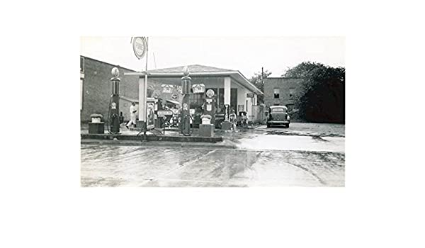 Amazon com: 1941 Pure Oil Gas Station Photo Clio South