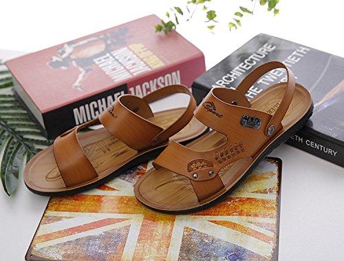 Pattino degli uomini del pattino dell'azionamento chiaro di modo dei pattini antisdrucciolevoli dei sandali del nero dei nuovi uomini, marrone, UK = 8, EU = 42