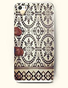 SevenArc Apple iPhone 5 5S Case Moroccan Pattern ( Standing On a Floral Floowr )