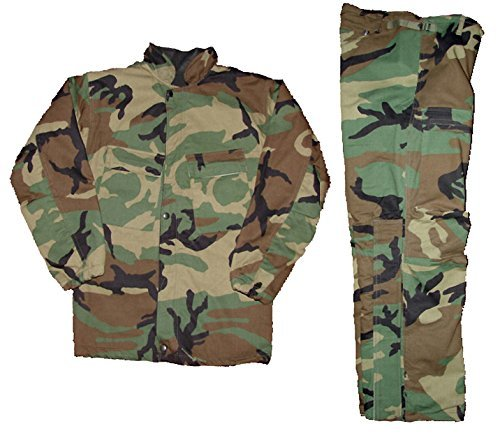 - Military Outdoor Clothing Woodland Chemical Suit, Medium