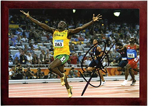 Usain Bolt Autograph Replica Super Print - Fastest Man in World - Landscape - Framed (Usain Bolt Fastest Man In The World)