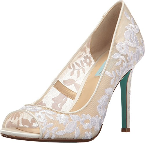 Blue by Betsey Johnson Women's Sb-Adley Dress Pump, Ivory Fabric, 5.5 M US