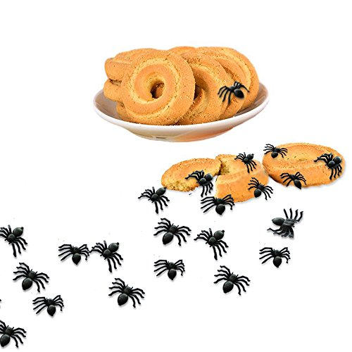 Auihiay 100 Pieces Halloween Black Plastic Spiders Toy Prank Realistic Scary Spiders Toy for Kids Great Party Favors Halloween Party Decorations