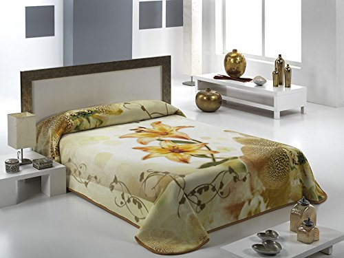 European - Made in Spain warm blanket Andalucia 220x240 Vanilla Color 1 PLY by MORA Blankets
