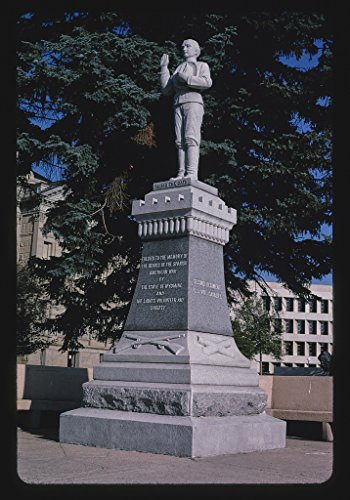 24 x 16 Photo of Monument Spanish American War on State Capitol grounds, Cheyenne, Wyoming 2004 Margolies, John 02a