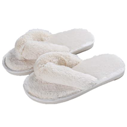 0eb9e5c846e Amazon.com  Womens Slippers Cozy Short Plush Lining Thong Furry Slippers  House Office Shoes Beige 36 37 Fits Foot Length 22.5-23cm (Rice White)   Office ...