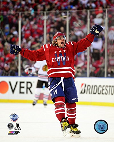 Alexander Ovechkin celebration on ice - NHL 2015 Winter Classic 8x10 Photo (Washington Capitols)