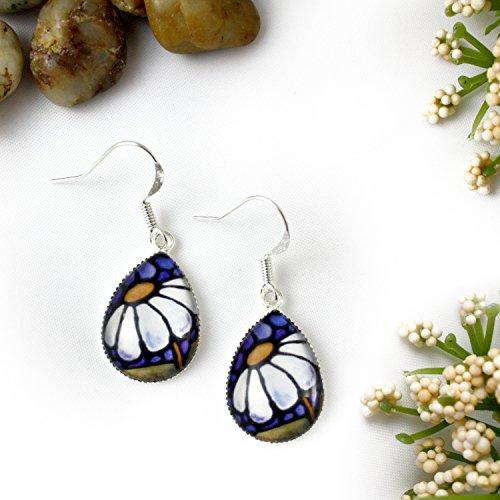 White Daisy Flower Glass Teardrop Earrings
