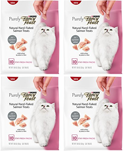 Fancy Feast Cat Treats – Natural Hand-Flaked Salmon Treats – 10 Count Treats Per Pouch – Pack of 4 Pouches