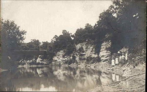Near a Lake in Illinois Lake Forest Original Vintage Postcard (Illinois Photography In)
