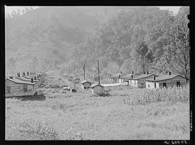 Photo: Mining town Virgie in eastern Kentucky Mountains