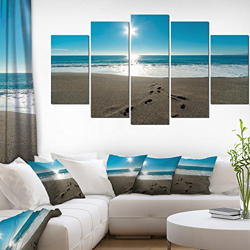 Designart Blue Sea and Footprints in Sand Large Seascape Art Canvas Print, (Footprints Canvas)