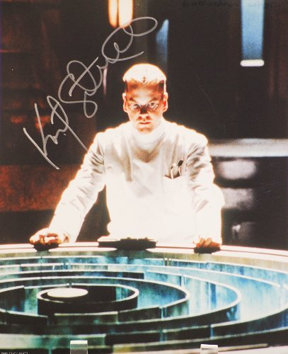 Kiefer Sutherland In-Person Autographed 8x10 Color Photograph - Signed in Silver - Actor / TV & Film - Dark City / 24 / Touch / Young Guns / Twin Peaks / Flatliners - Rare - Collectible