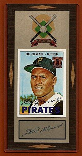 Roberto Clemente Memorabilia (Roberto Clemente 1967 Topps Reprint Baseball Card With Facsimile Autograph)