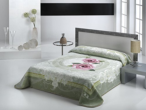 European - Made in Spain warm blanket Mora Magic 2 PLY 220x240 Verde Color by MORA Blankets