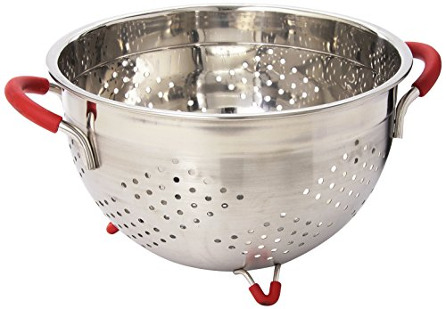 Weston Stainless Steel Colander, 5.5-Quart (66-0105-W), Silicone Handles and Feet, Dishwasher Safe ()