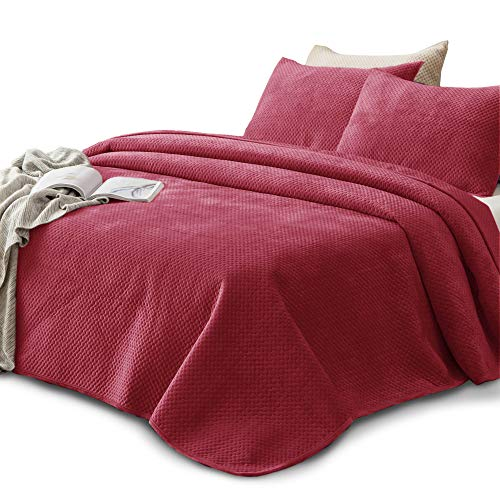 KASENTEX Plush Poly Velvet Lavish Design Quilt Set – Luxurious Bedding Soft & Warm Machine Washable Coverlet (Holly Red, King + 2 Shams)