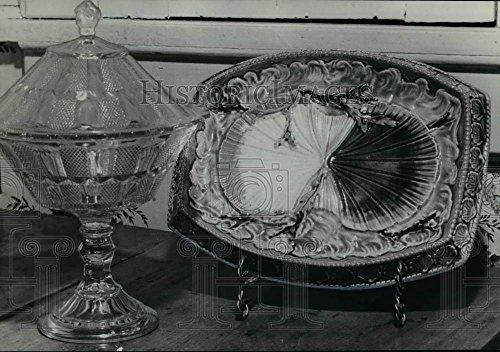 Antique Fish Platter - 1959 Press Photo Barker Home Antique friutbowl and fish platter - orb80000