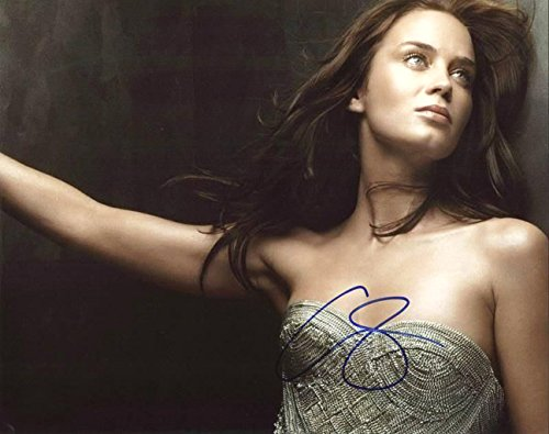 Emily Blunt - Signed 11x14 inch photograph with COA & PROOF - Prada Store London In