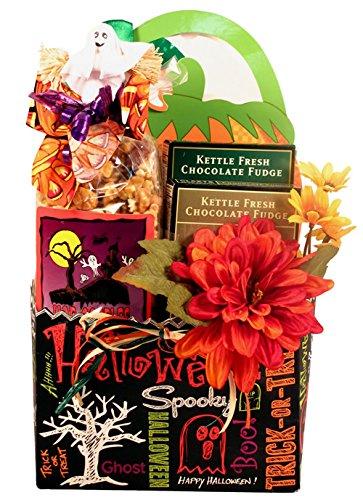 Gift Basket Village Trick or Treat, Halloween Gift Basket with Tricks And Treats, 6 (Scary Halloween Snacks)