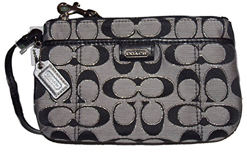 Buy coach wristlet daisy