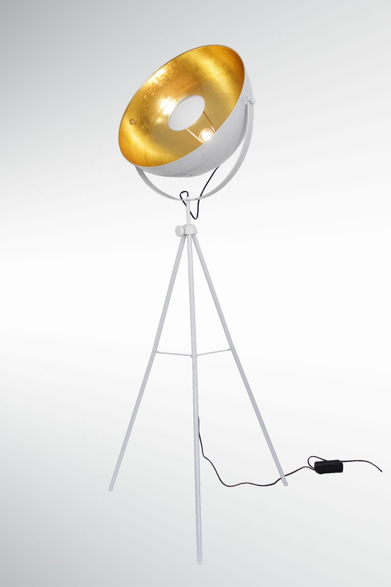 dreibein wei stehlampe with dreibein wei stunning briloner leuchten stehlampe wei with. Black Bedroom Furniture Sets. Home Design Ideas