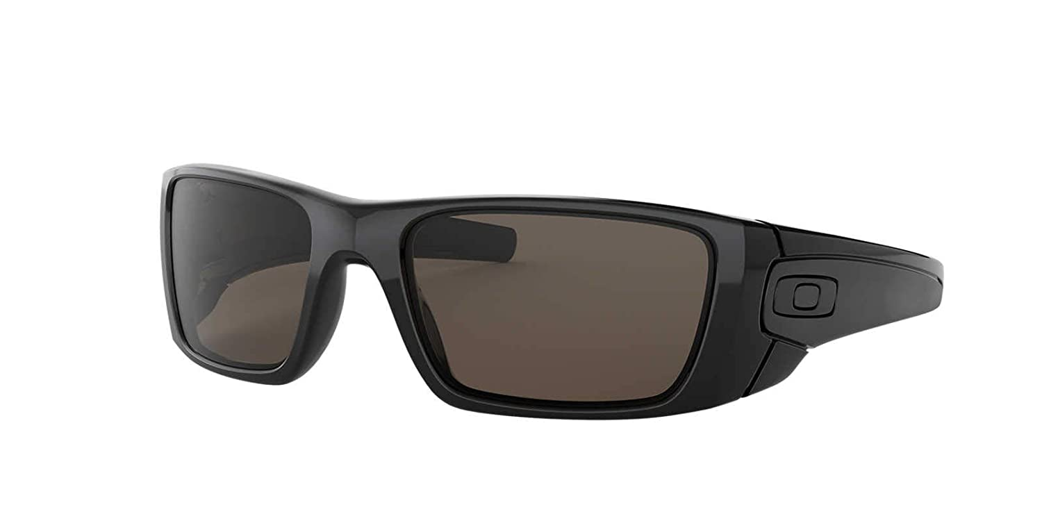 d4b8b92085 Amazon.com  Oakley Fuel Cell OO9096 Sunglasses  Clothing