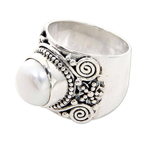 NOVICA White Cultured Freshwater Pearl .925 Sterling Silver Cocktail Ring, White Frangipani' ()