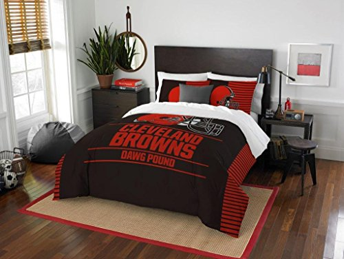 Cleveland Browns - 3 Piece FULL / QUEEN SIZE Printed Comforter & Shams - Entire Set Includes: 1 Full / Queen Comforter (86