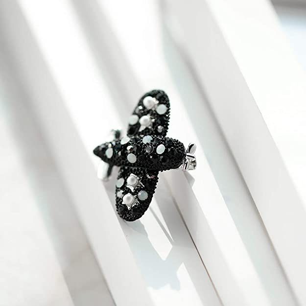 Personality Temperament Brooch Brooch YYOGG Korean Version of Male and Female Cartoon Mini Plane Pin X1020 Accessories