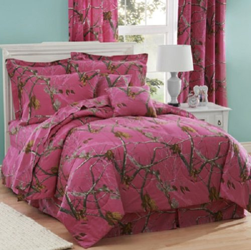 Realtree AP Fuchsia Hot Pink Camo 8 Pc Queen Comforter Set (Comforter, 1 Flat Sheet, 1 Fitted Sheet, 2 Pillow Cases, 2 Shams, 1 Bedskirt) SAVE BIG ON BUNDLING! by Realtree