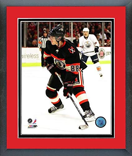 Amazon.com  Patrick Kane Chicago Blackhawks NHL Action Photo (Size ... a29f2f132