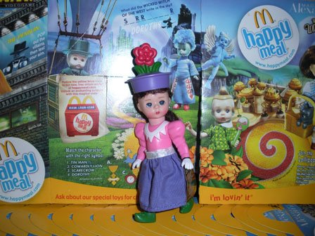 Madame Alexander The Wizard of Oz Flower Munchkin 9 of ()
