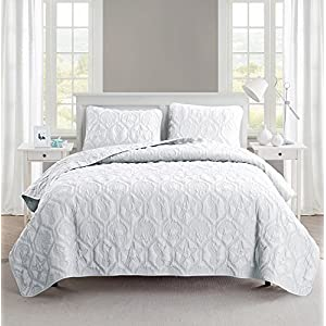 51twkTV%2BDDL._SS300_ Coastal Bedding Sets & Beach Bedding Sets