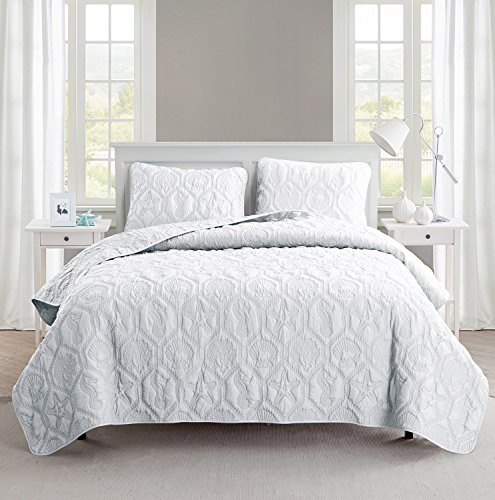 Queen Size Quilt Set in White Charming Beach Beautiful Blanket 3 Pc Set w/ Quilt, 2 Shams
