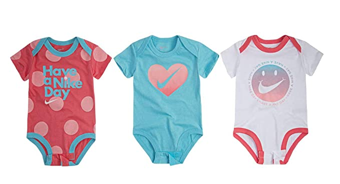 e2ad7e143fd79 Amazon.com  Nike Swoosh Three-Piece Infant Baby Bodysuit Set  Clothing