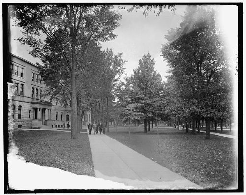 Photo: Campus,Law Deptartment,legal education,University,Michigan,Ann - Ann Mi Arbor Shopping