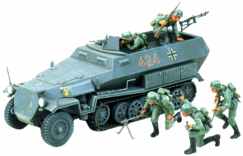 Tamiya Models German Hanomag SdKfz 251/1 Model Kit ()