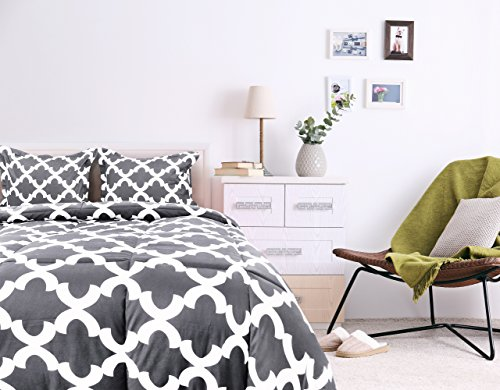 Printed Comforter Set Grey Queen together with 2 Pillow Shams Luxurious light brushed Microfiber Goose along option Comforter by Utopia Bedding