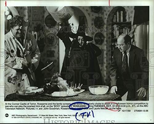 Vintage Photos 1989 Press Photo Scene from Halloween Episode of TV Series Roseanne -