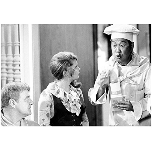 Benson Fong 8 inch x 10 inch Photograph Dearest Affair (TV Series 1966 - 1971) Making Animated Explanation to Brian Keith & Kathy Garver kn