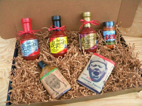 Arthur Bryants Barbecue Sauce Deluxe Gourmet Box Set [Includes Bottles of Sauces, KC Seasoning Rub, Honey Cayenne Hot Sauce, & Bold/Spicy Popcorn]