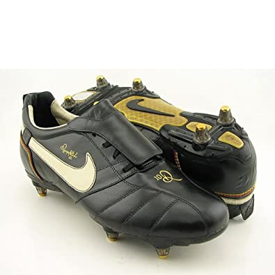 fa51c4f5c87 Image Unavailable. Image not available for. Color  Nike Tiempo Ronaldinho  FG Soccer Shoes Brown
